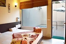 luxury room resort in jim corbett